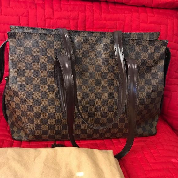 b43988c1b68b0 Louis Vuitton Handbags - Authentic Louis Vuitton. Chelsea Gm Shoulder Bag